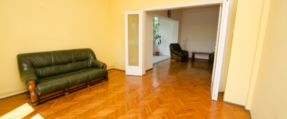 Piata Dorobanti, vanzare apartament 5 camere in vila